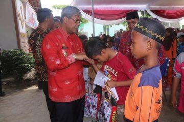 Sebanyak 175 Anak Yatim Mendapat Bantuan Dari Bupati Lampung Tengah