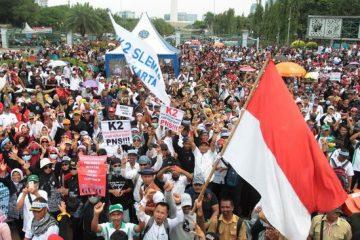 Forum Guru Honorer Unjuk Rasa Di Istana, Mengancam Tak Akan Pilih Jokowi