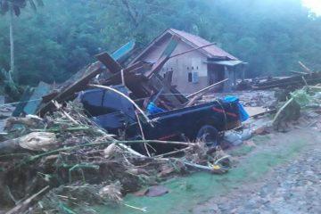 Banjir Bandang Hancurkan Puluhan Rumah Dan Tewaskan Warga Pekon Umbar