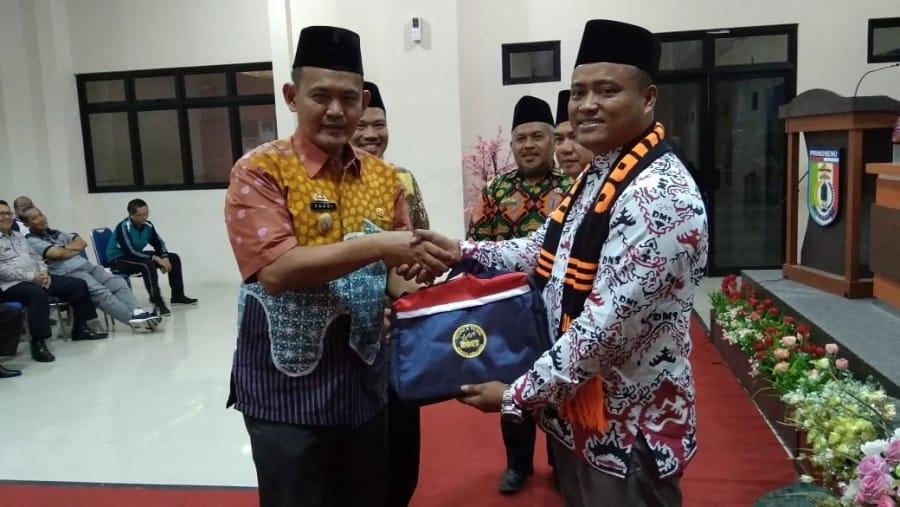 Wakil Bupati Pringsewu Lepas 30 Peserta Umroh