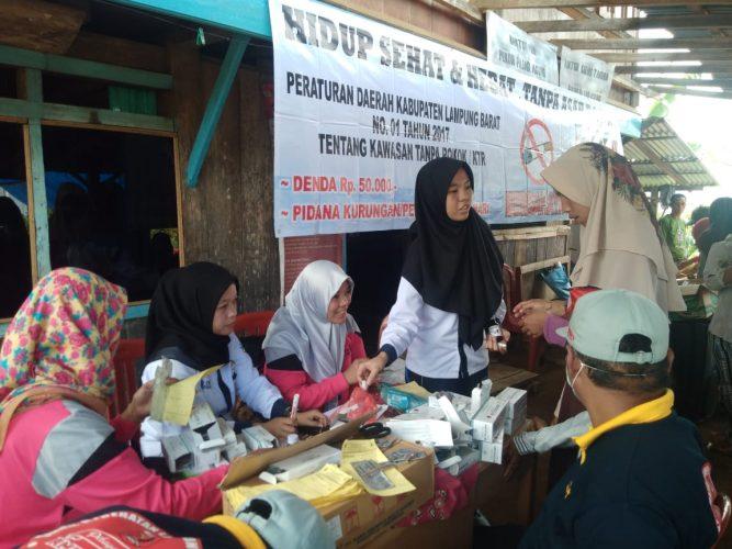Program Pengobatan Gratis Disambut Baik Oleh Warga Desa Pajar Agung