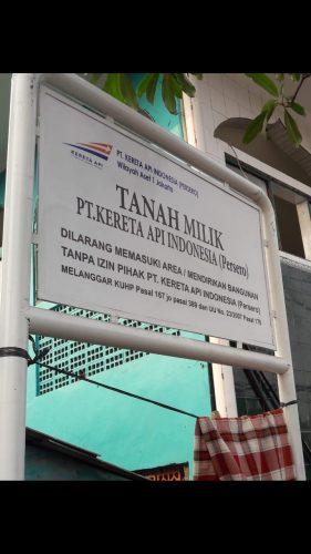 PT. KAI Pasang Plang Kepemilikan Tanah di Kota Intan, Warga Resah