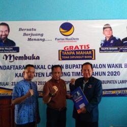 Hari Terakhir Pengembalian Berkas Pilbup di Partai Nasdem, Herwandi Komitmen Majukan Lampung Timur