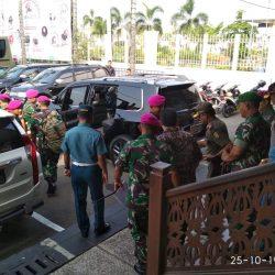 Danrem 043/Gatam Sambut Dankomar Mayjen TNI (Mar) Suhartono M.Tr (Han).di Bandara Radin intan