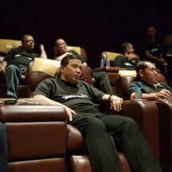 Polda Lampung dan 043/Garuda Hitam Nobar Film Hanya manusia
