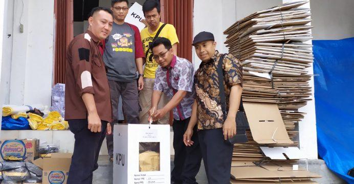 KPU Way Kanan Musnahkan Logistik Sisa Pemilu 2019