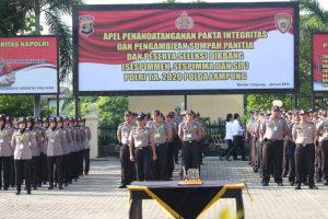 Kapolda Lampung Tandatangani Pakta Integritas Pengambilan Sumpah Panitia