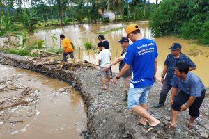 Tutup Tanggul Penyebab Banjir, BPBD Tanggamus Turunkan Alat Berat