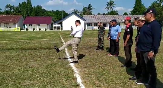 Ike Edwin Beri Semangat kepada Peserta Turnament Danlanud Cup